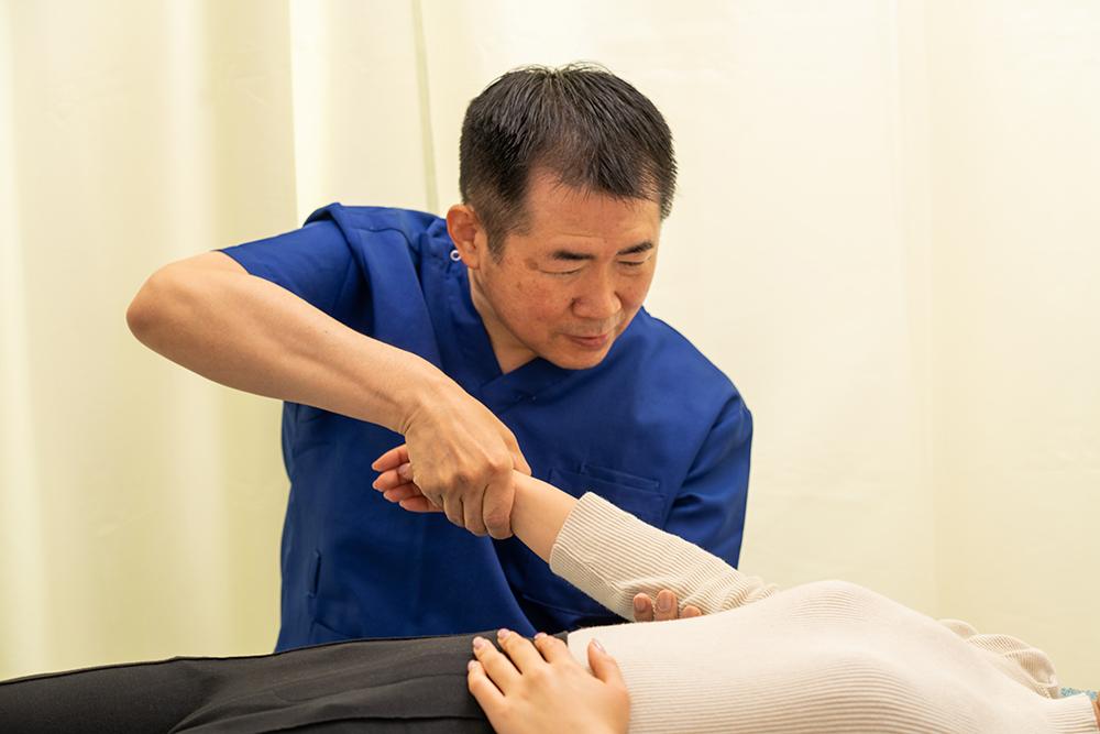 首の痛みの治療1